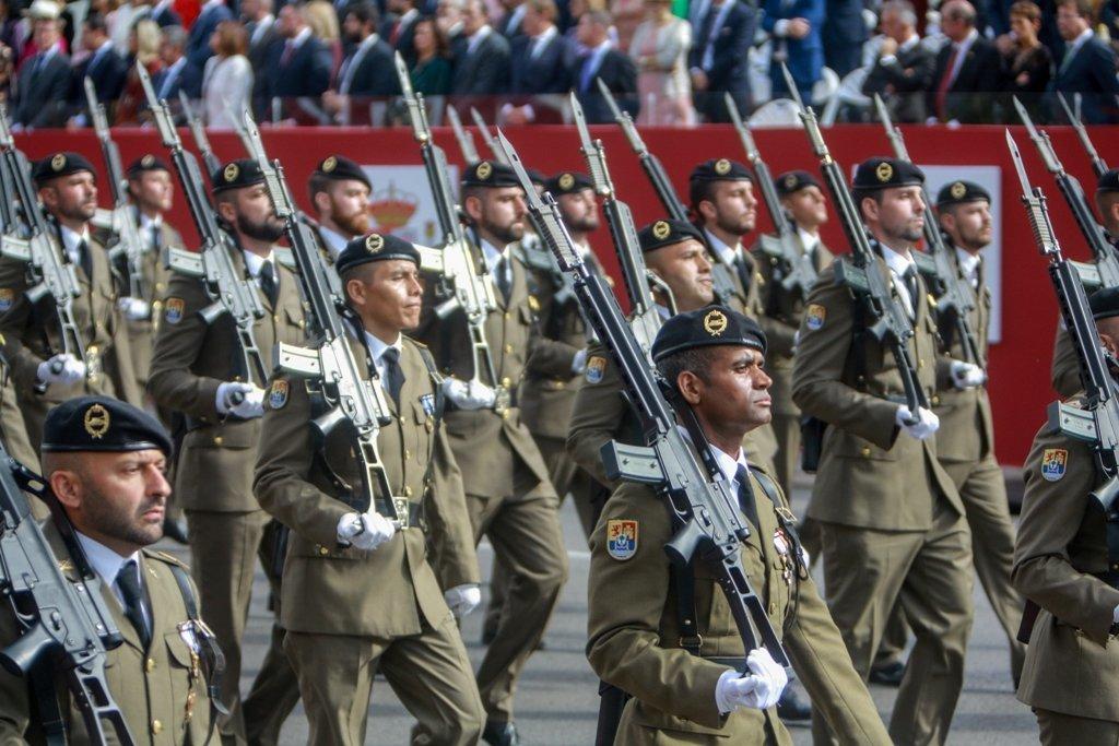 El Desfile Del D U00eda De La Fiesta Nacional En Madrid