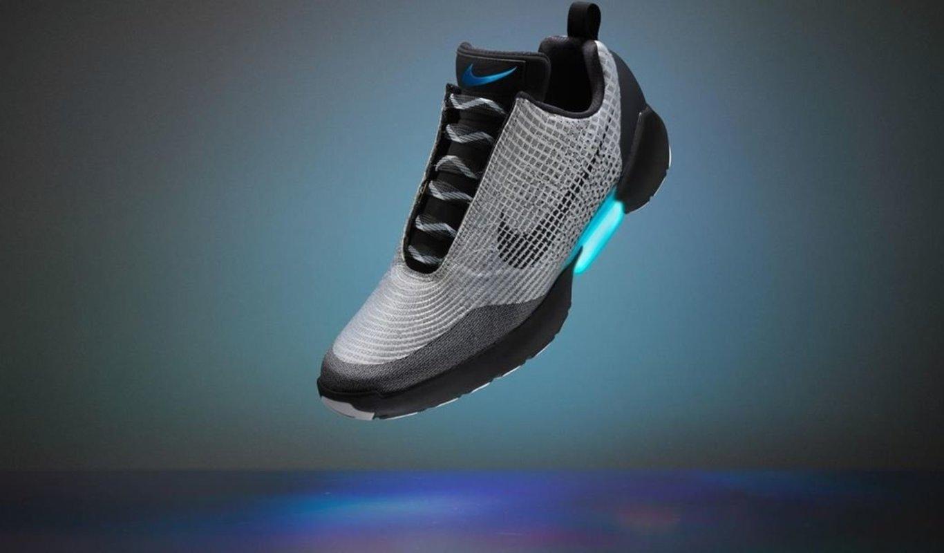 Nacarado mayoria Insignificante  Nike lanzará las zapatillas de Regreso al Futuro que se atan solas