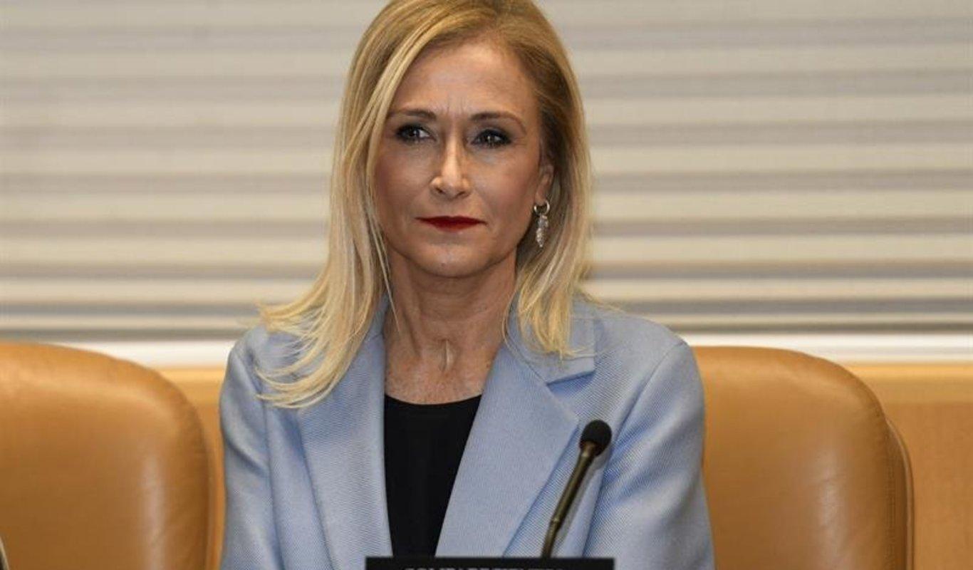Cristina Cifuentes En El Banquillo Acusada De Falsear El