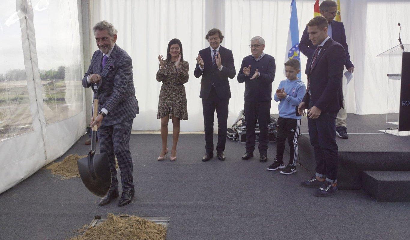 Celta, Xunta y Concello de Mos ponen la primera piedra de la ciudad deportiva del Celta // Vicente Alonso