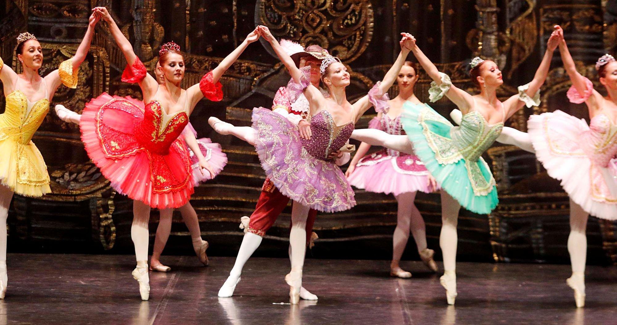 Romanticismo en escena con el ballet 'La Bella Durmiente'