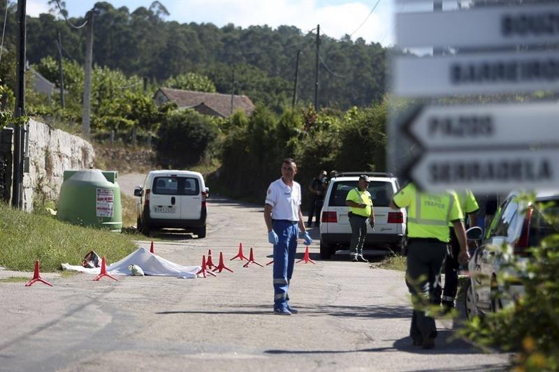 3d43c440b Los servicios de emergencia acudieron tras el descubrimiento del cuerpo de  la mujer por parte de