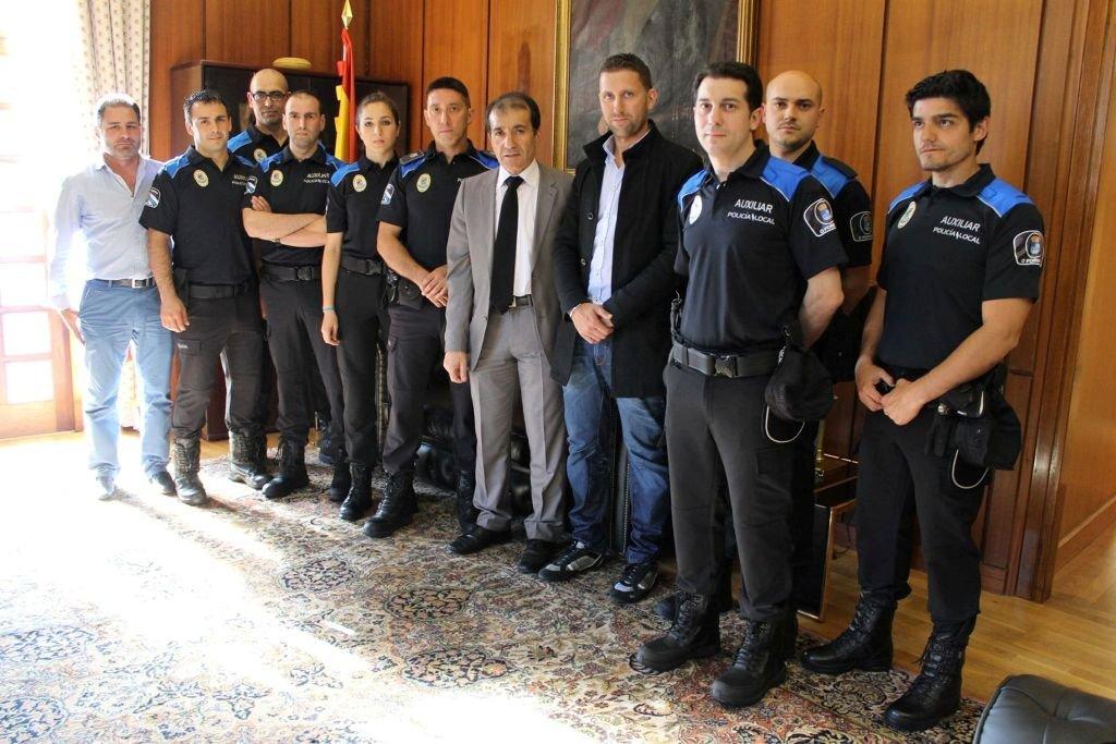 La polic a nacional registra la oficina de la polic a for Oficina policia nacional