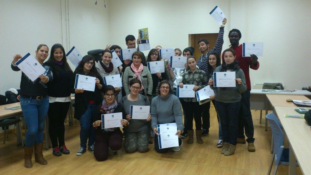 25 vecinos de nigr n finalizan el curso de ayudante de for Curso cocinero comedor escolar