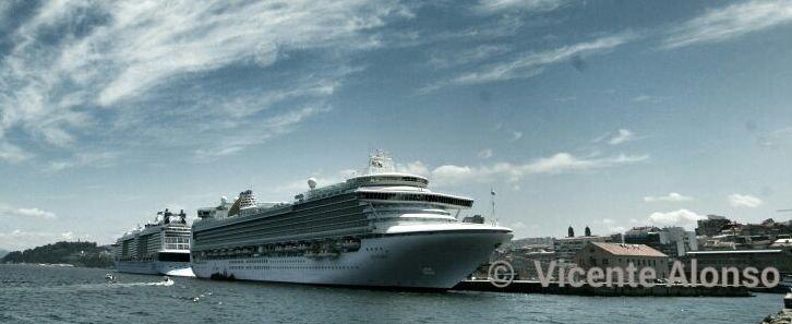 Tres cruceros dejar n diez mil turistas en el centro de - Puerto de vigo cruceros ...