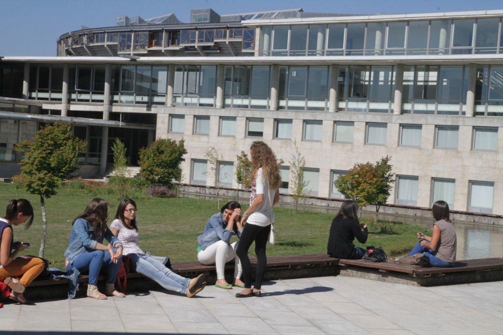 La Universidad de Vigo cubrió buena parte de sus plazas.