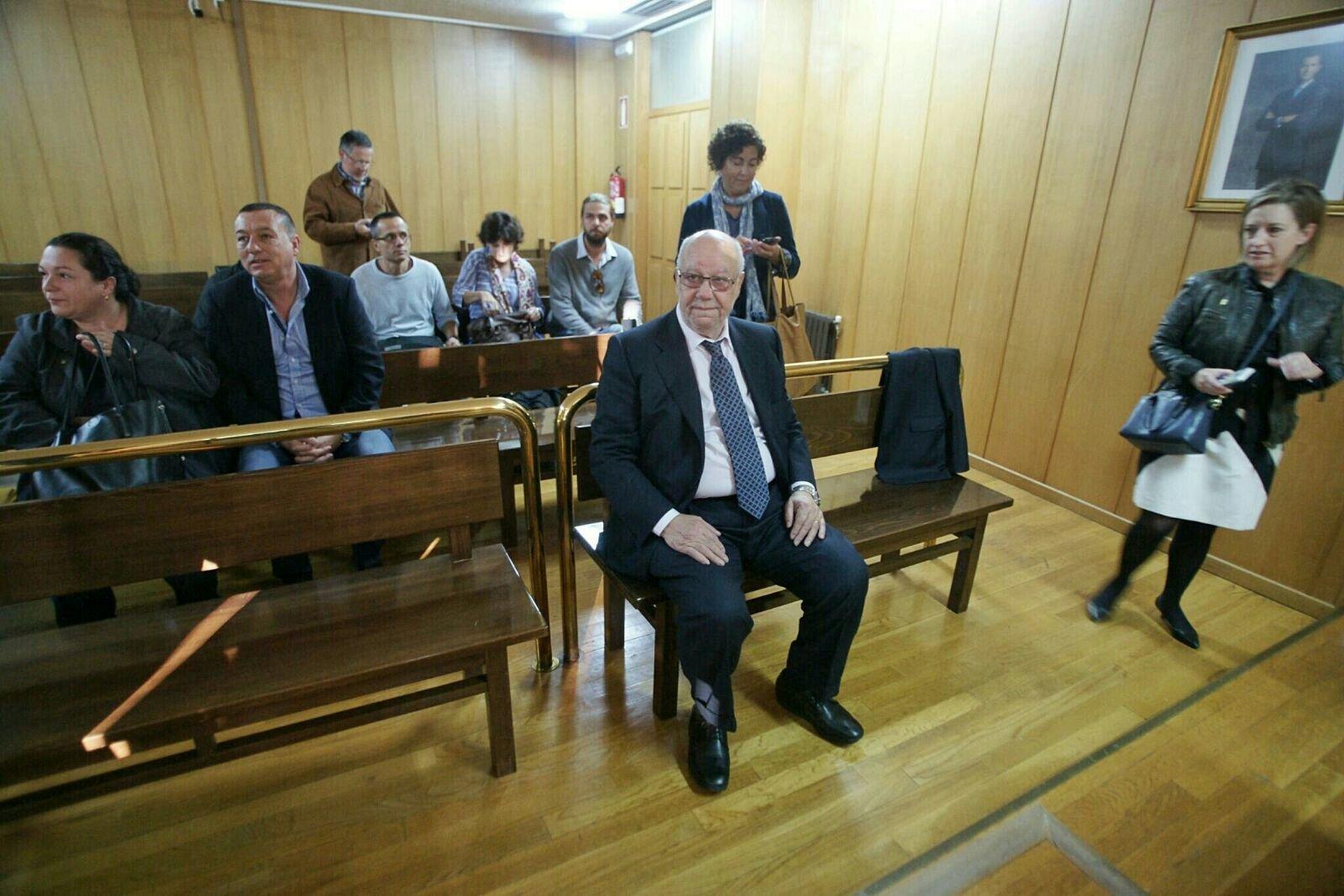 La mesa electoral de la cep asegura que no hubo control en for Presidente mesa electoral