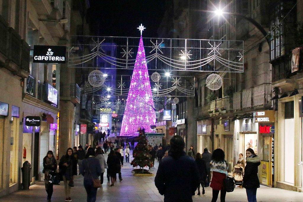 Luces y decoraci n navide a traen el ambiente de fiesta for Decoracion vigo