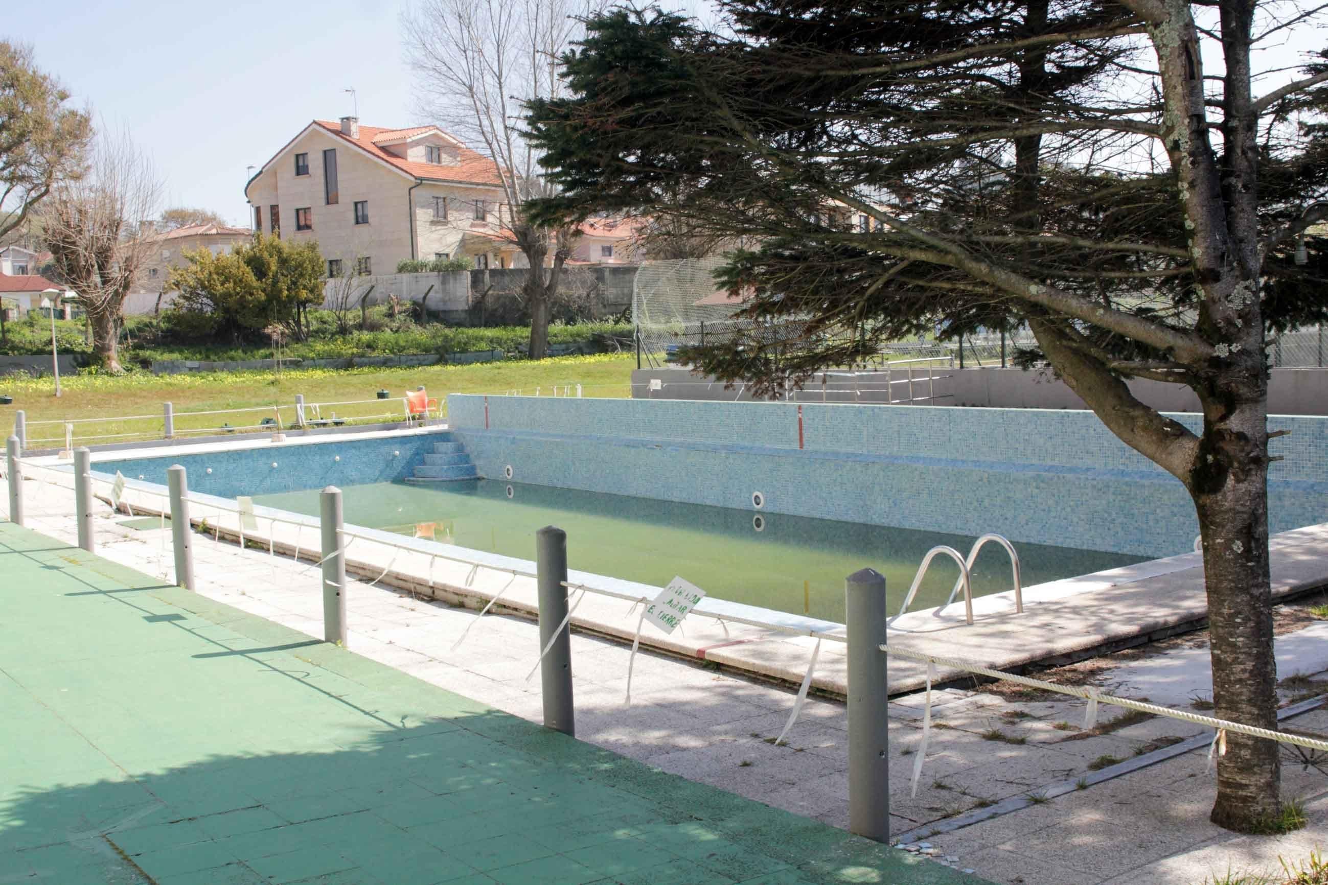 La piscina del hotel samil ya p blica vigo atl ntico for Follando en la piscina del hotel