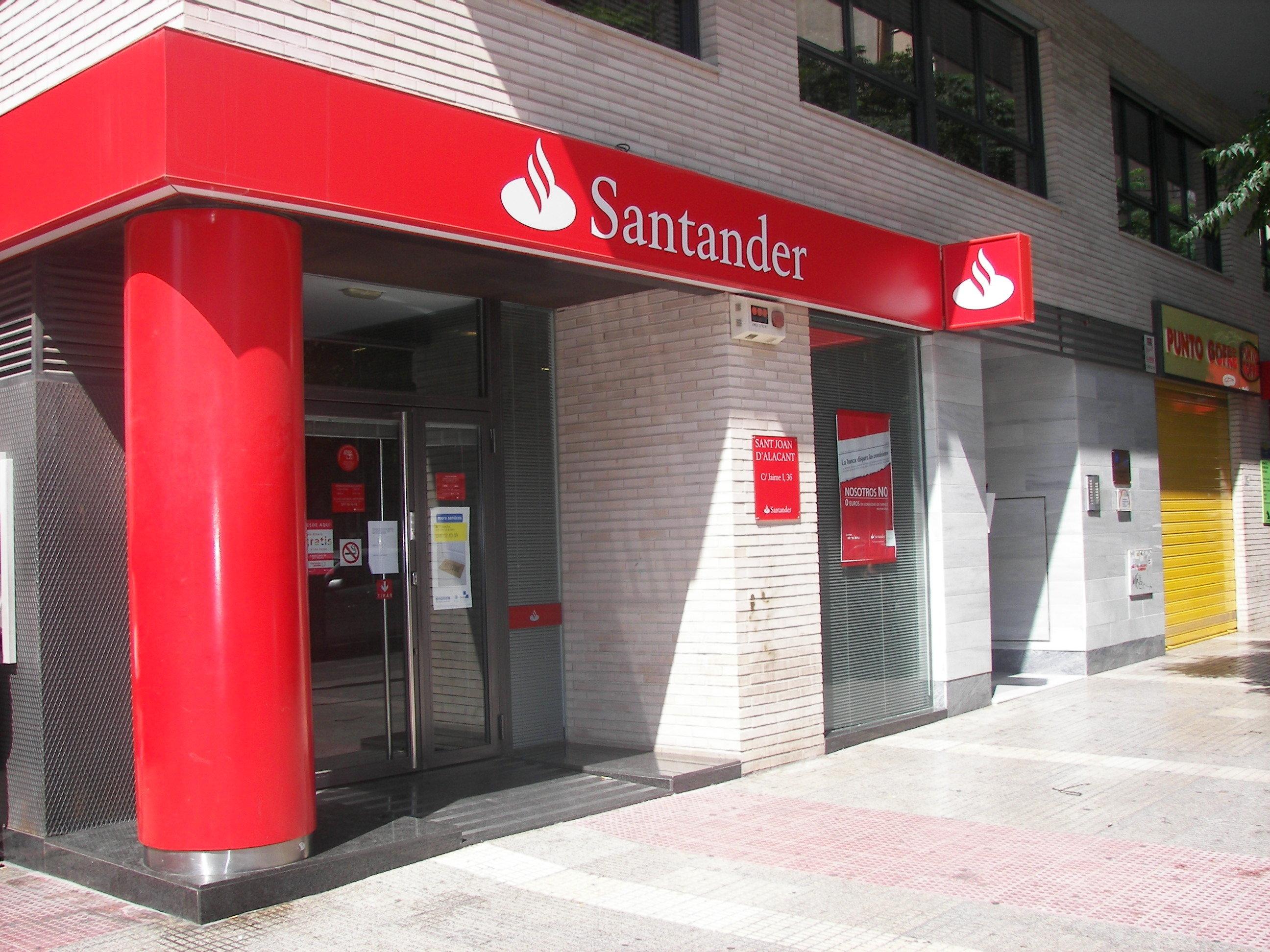 La banca responde a la ca da de negocio cerrando oficinas for Sucursales banco espana