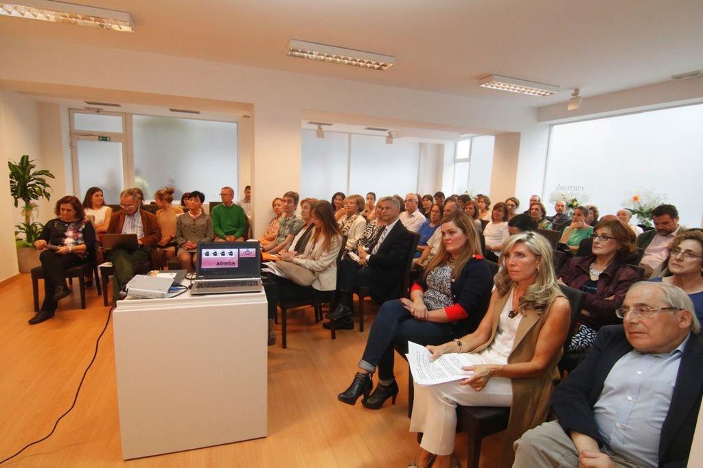 Distintas autoridades y pacientes acudieron a la inauguración de la nueva clínica en Hernán Cortés.