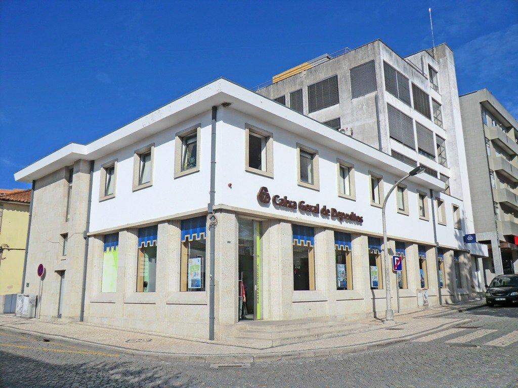 Portugal logra el rescate de la caixa geral con for Oficinas de la caixa en gijon