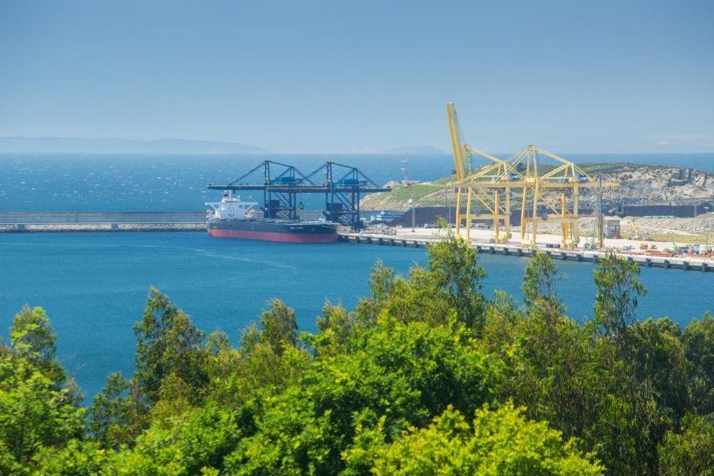 El puerto exterior de Ferrol, con muy poca actividad.
