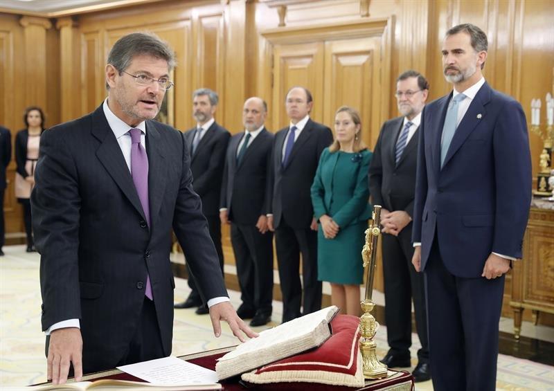El nuevo gobierno de rajoy en im genes espa a lbum for Nuevo ministro de interior y justicia