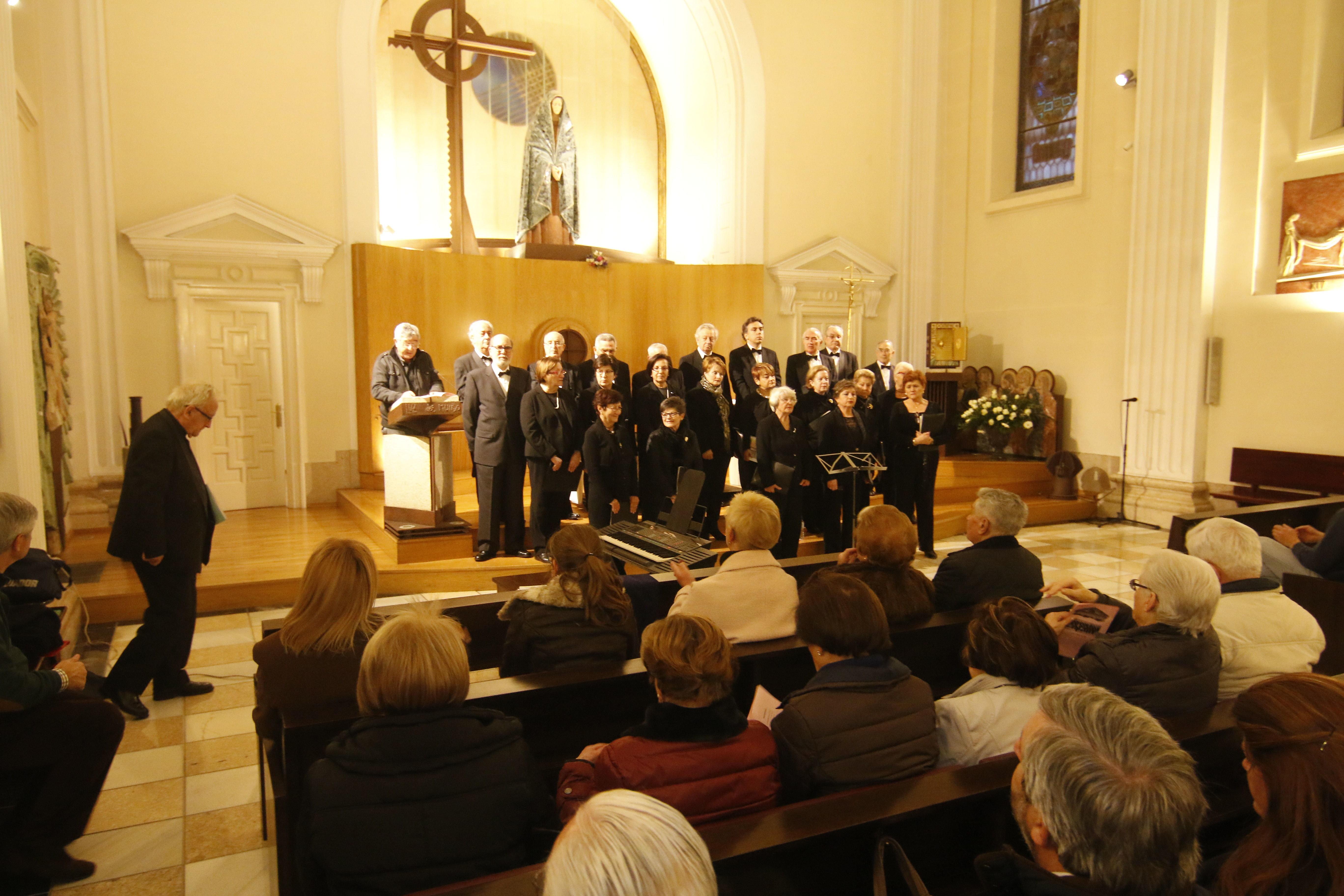 La soledad abre el ciclo de conciertos de semana santa for Concierto hoy en santiago