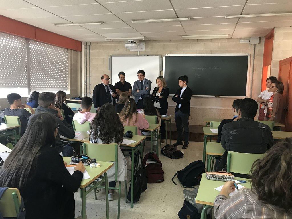 El pp reclama agilizar las becas de comedor y libros vigo atl ntico diario - Becas comedor 2017 ...