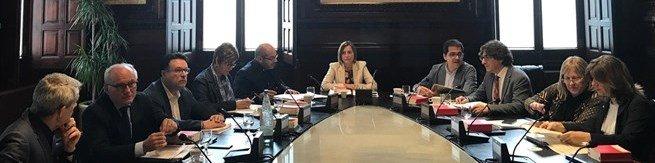 La mesa del parlament toma nota de los resultados del for Mesa parlament