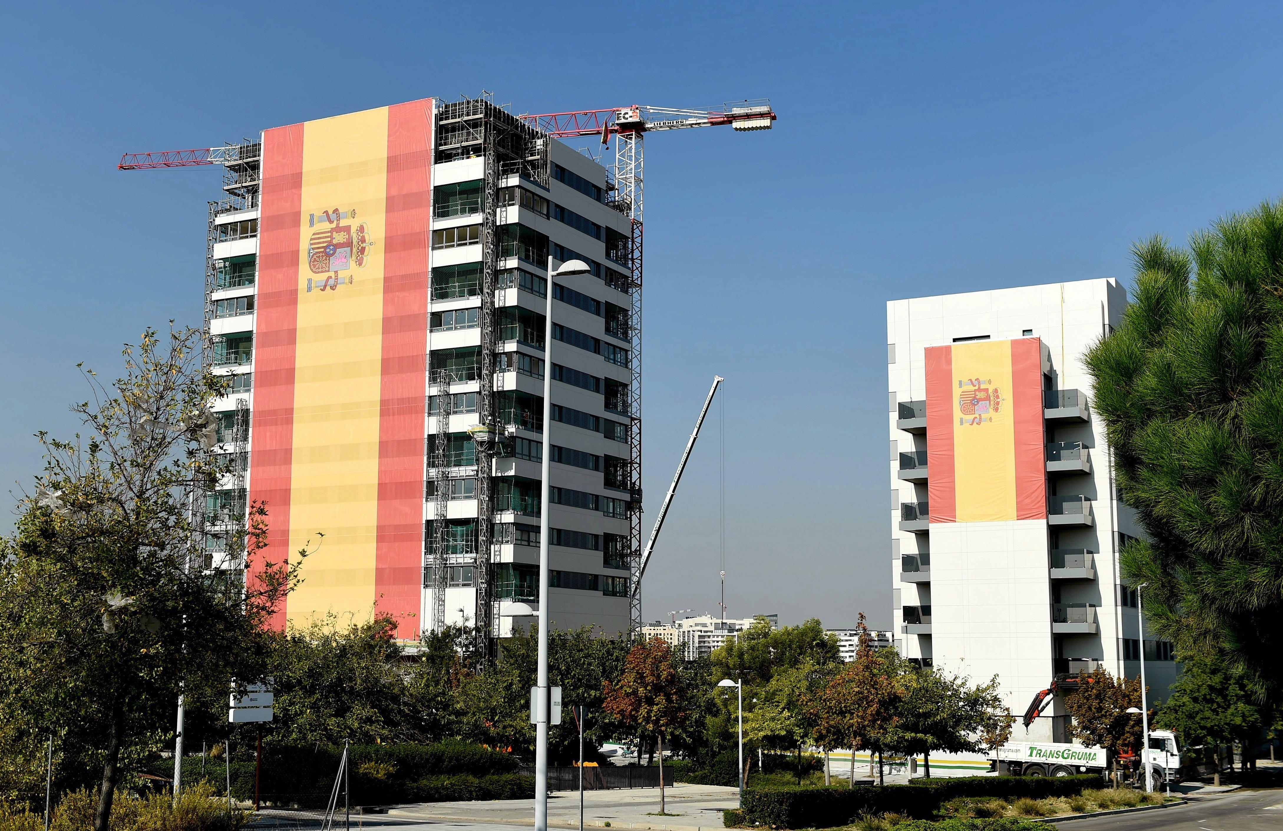 Catorce pisos de bandera espa ola espa a atl ntico diario for Pisos grandes en madrid