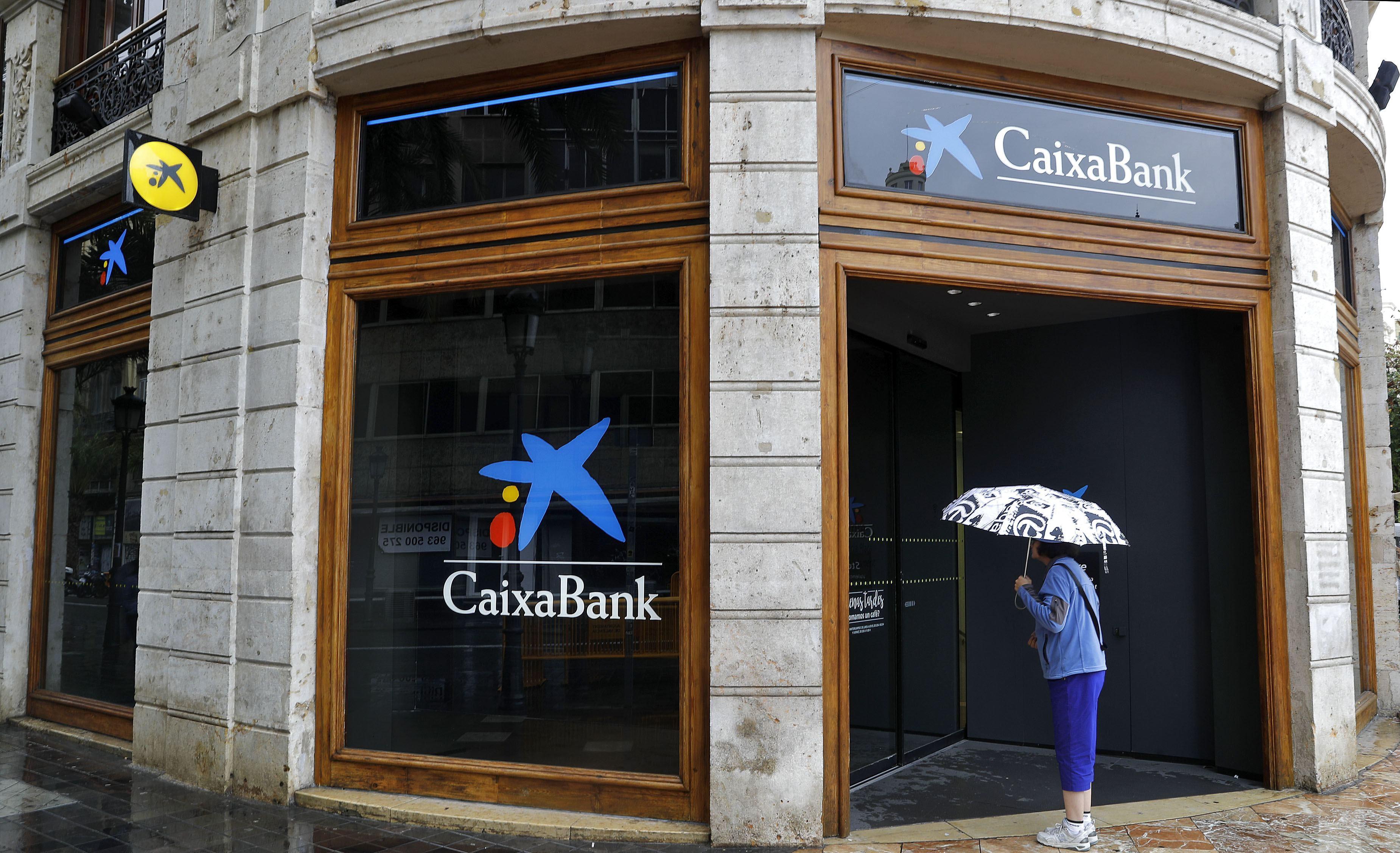 Los economistas avisan de la factura de la incertidumbre for Oficinas caixabank valencia