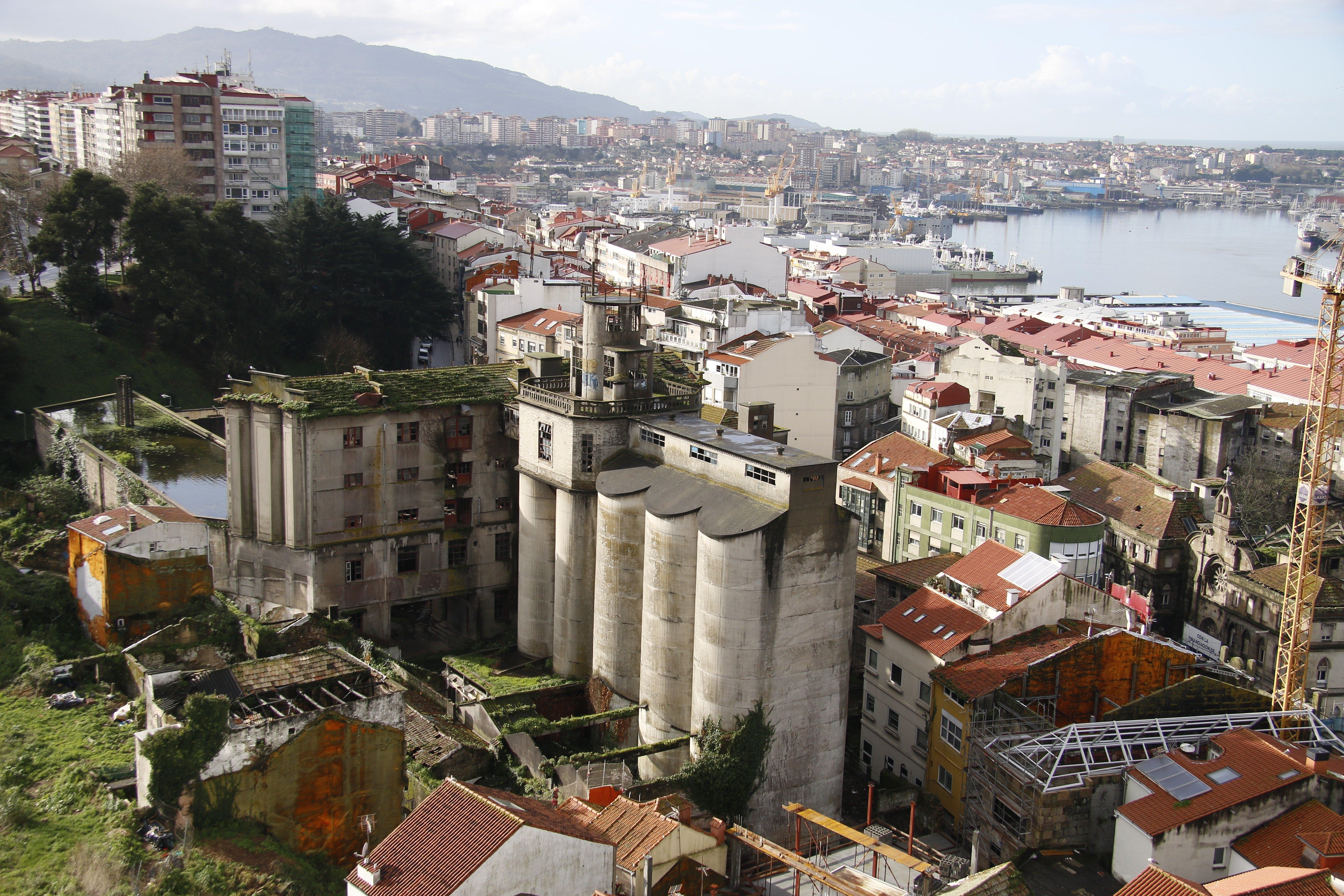 Vigo reduce las viviendas vac as a mientras en - Viviendas modulares galicia ...