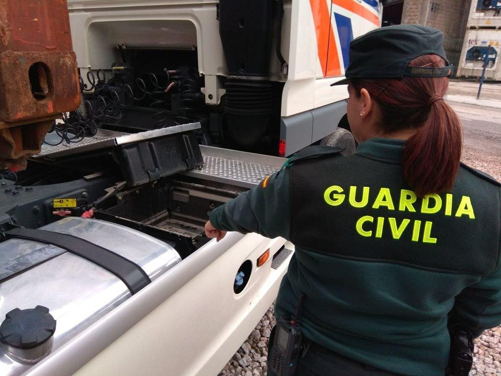 En la operación de la Guardia Civil detuvieron a dos hombres.