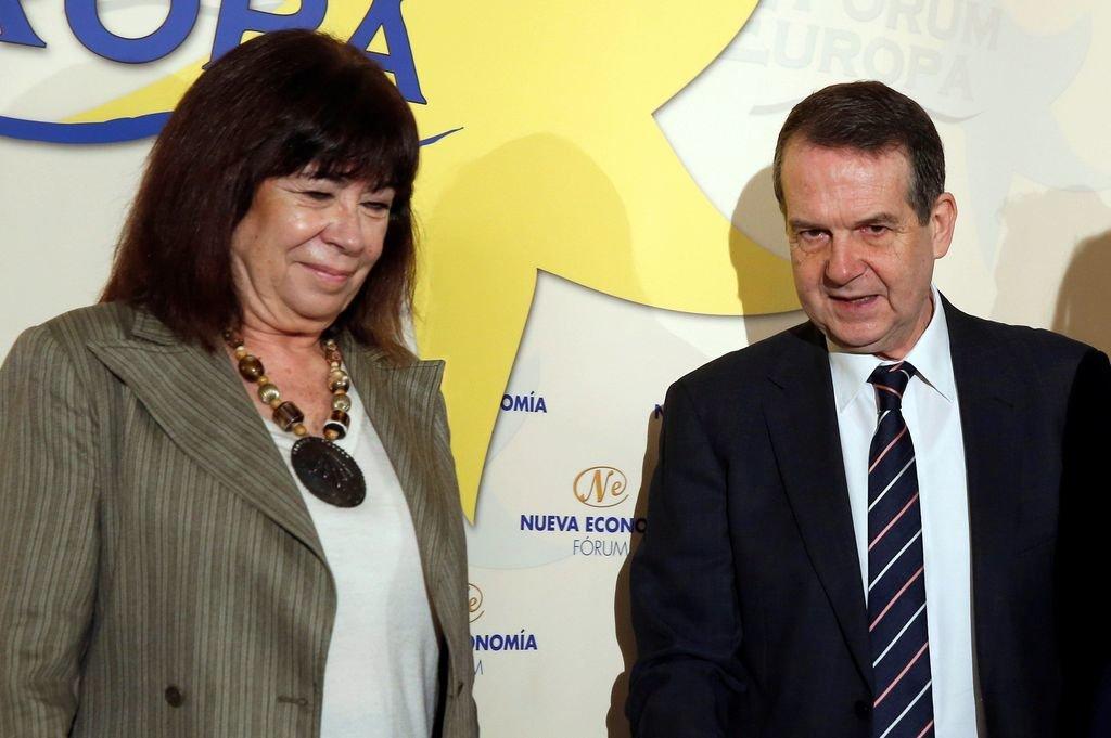 Cristina Narbona presentó a Abel Caballero en un desayuno.