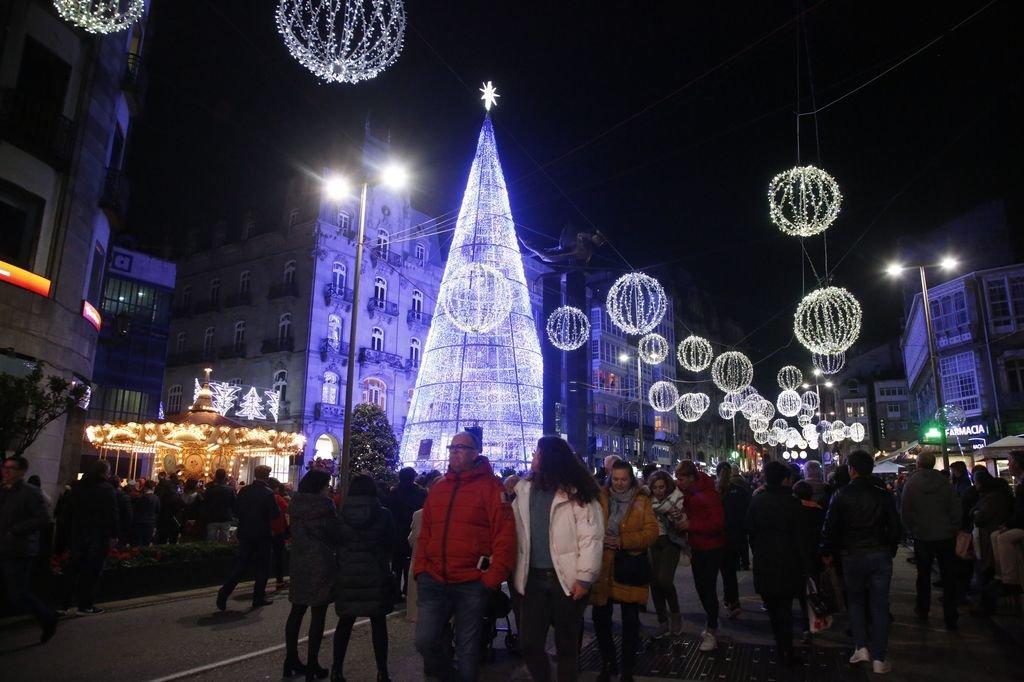 2ea5cfc49b6 La iluminación navideña lleva a Vigo al récord de ocupación en ...