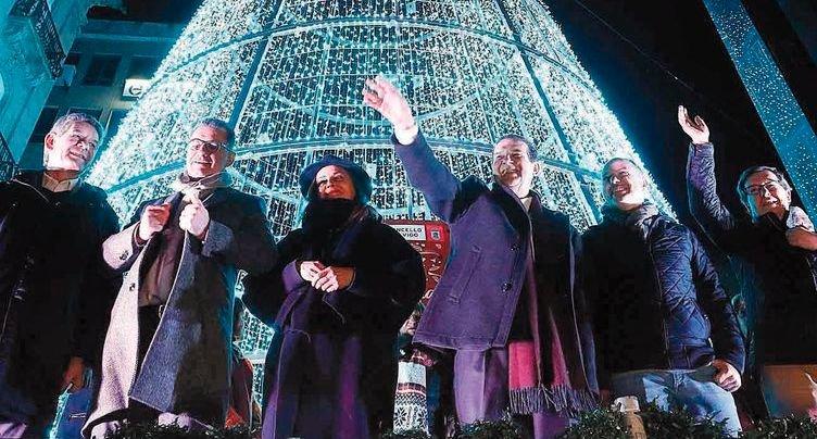 0e429cd9419 Vigo apagó su Navidad más luminosa y multitudinaria - Vigo ...