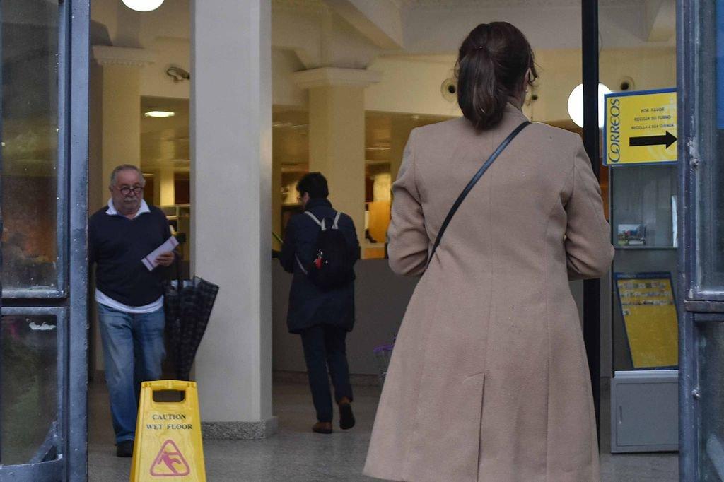 Casi electores de la provincia piden votar por for Oficina de correos vigo