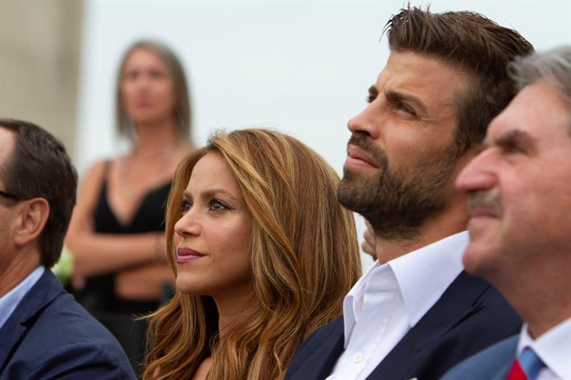 Muy acaramelados durante el último partido de Rafa Nadal — Shakira y Piqué