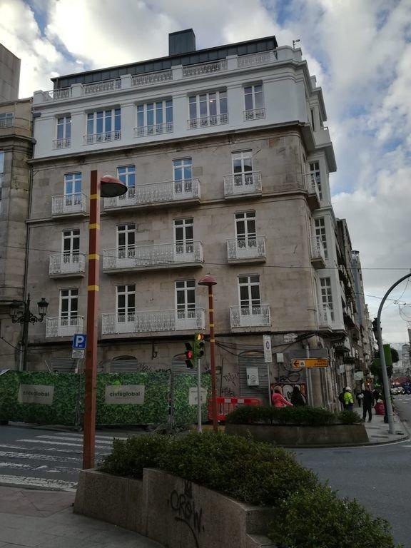 El edificio para hotel de Urzaiz, que abriría este año.