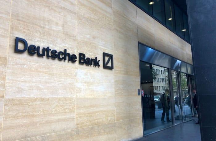 Deutsche Bank se plantea el teletrabajo como fórmula para reducir los costes